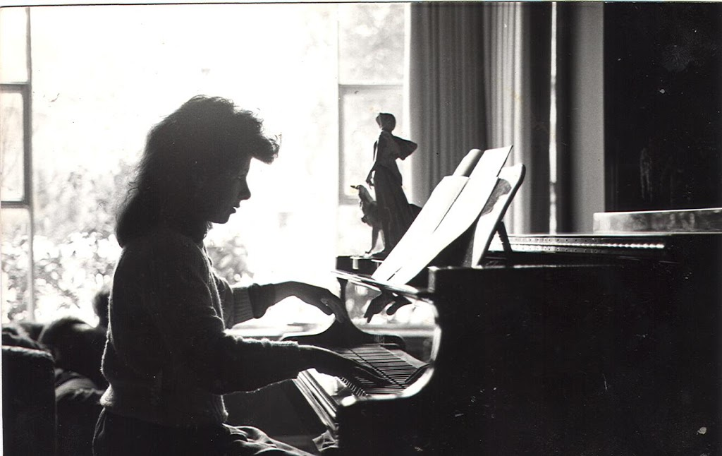 Loey_piano